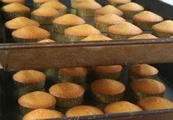 季節毎に変わるフルーツを焼き込んだ焼き菓子は、常時15種類以上