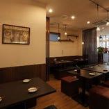 《リラックス》アットホームな雰囲気で落ち着くテーブル席(~4名様×3卓)