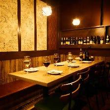 森の中のレストランをイメージした店内でくつろぎのひとときを♪