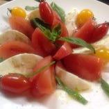 美味しいトマトのグラッソ風カプレーゼ