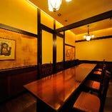 モダンな雰囲気のテーブル洋個室 <2名様~20名様>
