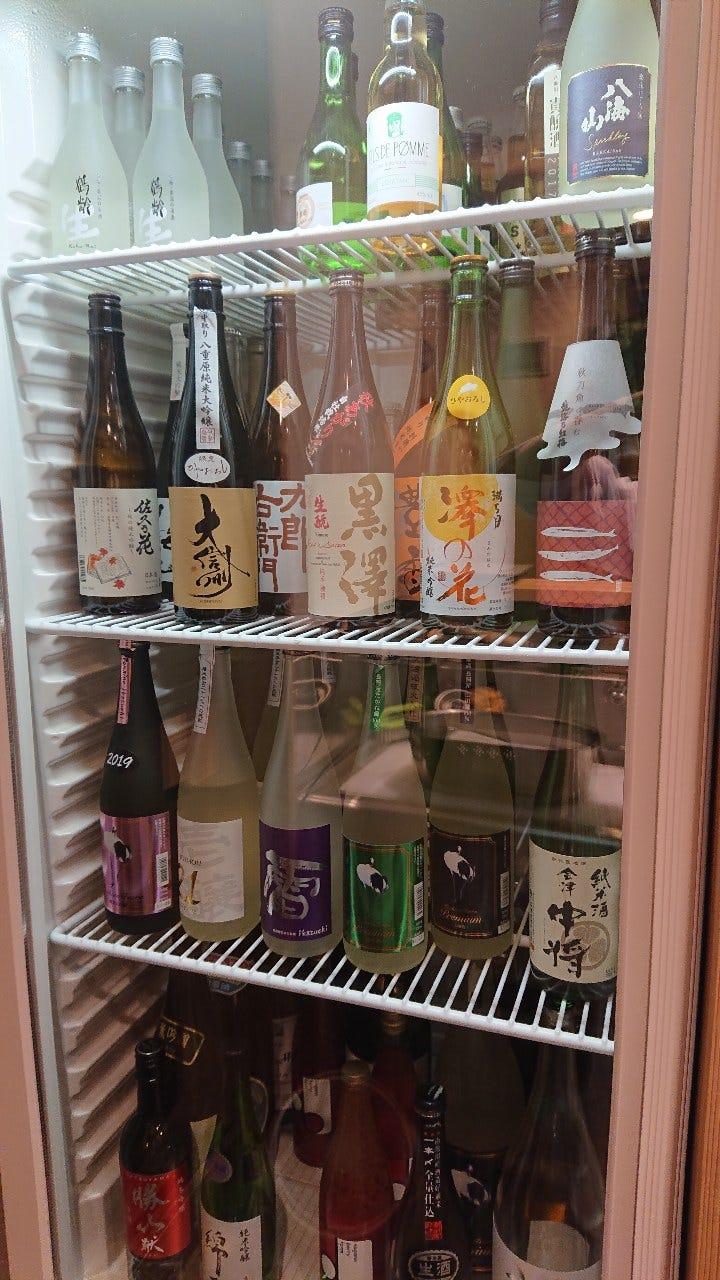 県内外の日本酒や、女将おすすめの日本酒を揃えております