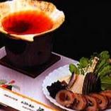 ホタテ貝の貝殻を器にして、魚や野菜をお召し上がり頂けます。