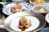 「鯛釜飯」は、鯛のほんのり香ばしい香りが食欲をそそります。
