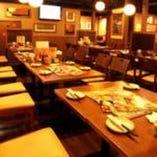 50名様まで対応可能の宴会席や小・中規の個室も完備