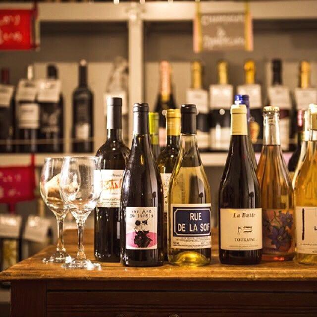 ランチタイムはソムリエ厳選グラスワインがディナー価格の半額◎