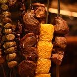 ブラジルスタイルの絶品BBQ!牛・豚・鶏の串焼き!宴会にも◎『シュラスコ90分食べ放題』