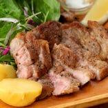 厳選食材を使用したビストロ×バル料理をお楽しみ下さい