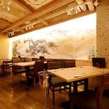 【2〜4名様×3卓】少人数のご宴会や普段のお食事などにも使えるテーブル席