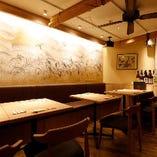 【2名様×5卓】ご宴会の際は複数卓使用で広く使えるテーブル席