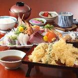 恵比寿御膳、活鯵付きの上お刺身海老2本鱚に野菜天婦羅には茶碗蒸し、御飯、小鉢、お新香、汁物、デザート