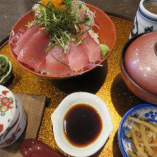 新鮮、鮪の赤身鉄火丼