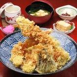 特選穴子丼穴子2本海老1本付き野菜付き天丼