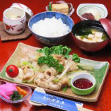 北海道産牛ホルモン御膳*土日祝日夜の御膳には:御飯、お新香、お味噌汁:デザート付ております。