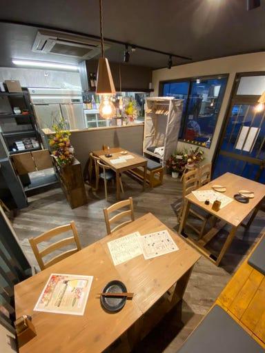 鶏とKushiと炭とあひる  店内の画像