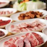 大人気の焼肉食べ放題は男性1,980円(税抜)/女性1,780円