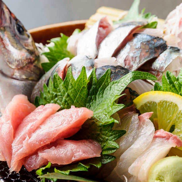 日本全国産地直送の獲れたての新鮮な魚をお造りでご提供!