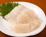 ししゃもの卵が入った広島湯来町産の「さしみコンニャク」
