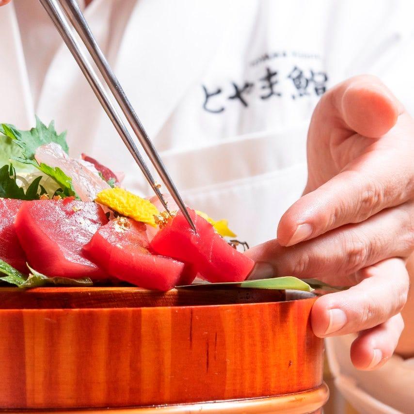 匠の技が施された料理はどれも煌びやかな料理ばかりです