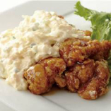ごろっと玉子が入った特製タルタルソースと国産鶏を使用したチキン南蛮!