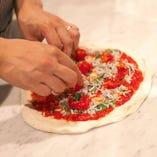 素材の味や料理に適した調理法を心がけております。