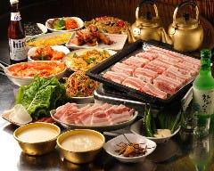 韓国焼肉 マッコリバー 李さんのキムチ