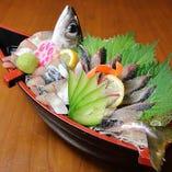 当店名物「鯖の刺身」は1人前888円(税抜)~