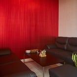 【贅沢な空間】 ふかふかのソファーで寛ぎのプライベート宴会