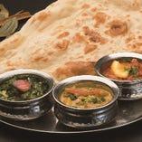 1、3種類のカレーセット -Three Kinds Of Curry Setー