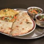 34、マサラパラタと2種類のカレーセット  -Masala Paratha & Two Kinds Of Curry Set-