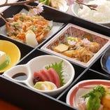 正統派和食がランチではお手頃にお楽しみ頂けます。