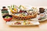 【山笠御膳】ランチタイム1番人気。ステーキと麺料理もついた大満足コース。