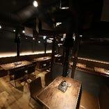 【2階テーブル席|28名様席】仕切りなしで一体感のあるレイアウトに