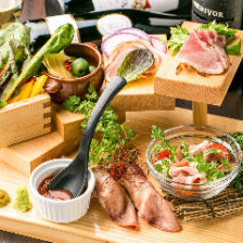 【期間限定】『オススメ!!ステーキ&肉寿司食べ比べコース』5,980円⇒4,980円 2時間飲み放題付7品