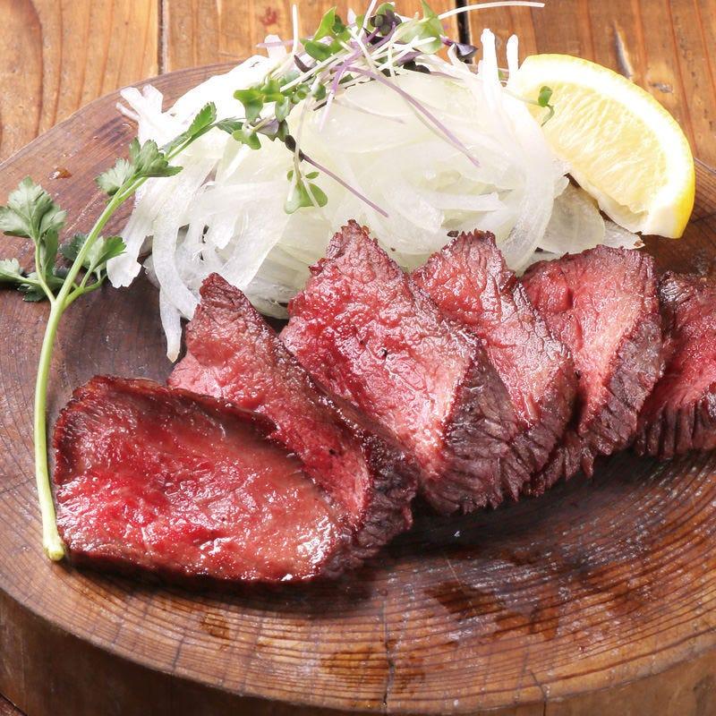 お肉は食肉卸から直接仕入れます
