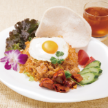 リゾート気分を盛り上げるアジアン料理