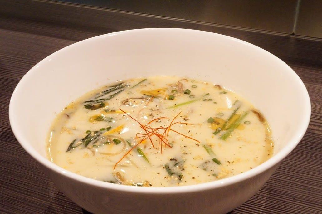 牛骨を72時間煮込んだ旨味凝縮の健康美肌スープ(女性にお勧め)