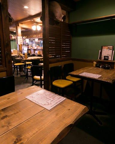 串カツともつ鍋とかすうどん居酒屋 しゃかりき432゛新福島店 店内の画像