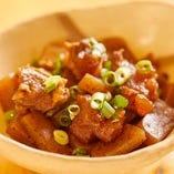 【Bコース】ステーキにサーモンのオイル焼きなど定番人気のお料理全6品を味わう!