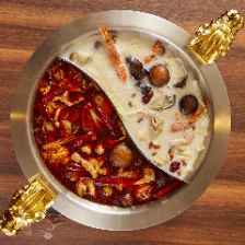 2種のスープで味わう薬膳火鍋コース