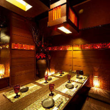 和情緒溢れる落ち着きのある個室空間
