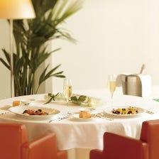 【乾杯ドリンクとお花をプレゼント】大切な家族やご友人と思い出に残るお食事を OZAWA記念日ランチプラン