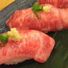 地鶏料理だけではない【肉寿司】が楽しめるお店♪ 肉寿司は炙りでも楽しむ事ができます♪