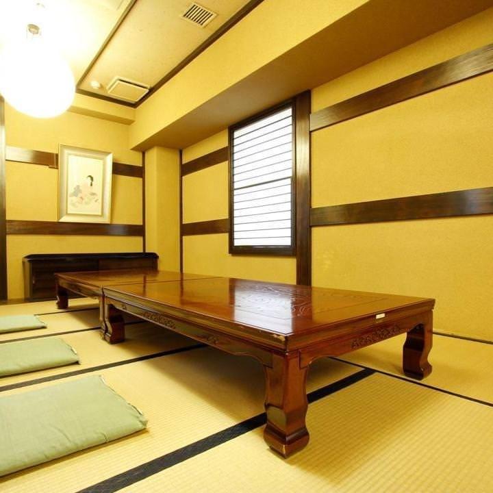 2階に座敷個室をご用意。宴会や法事など大人数でのご宴会に最適