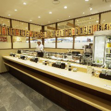 江戸前寿司を味わう立喰いカウンター