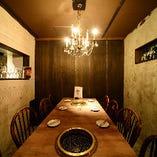◇ SNS映えする外食の魅力満載【離れ・テーブル個室(最大8名様)※同タイプを2室完備】 ◇