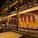 豊富なドリンク。現地買い付けワインも取り揃えております。
