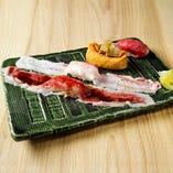 炙り肉寿司盛合わせ