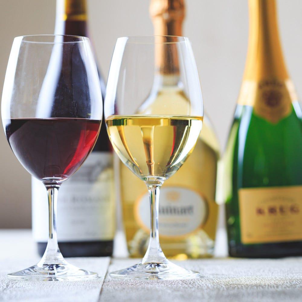 常時100本以上のフランス産ワインをご用意。