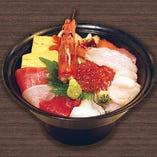 海鮮ちらし丼 12種類のネタを盛り付けてあります(大名椀付)